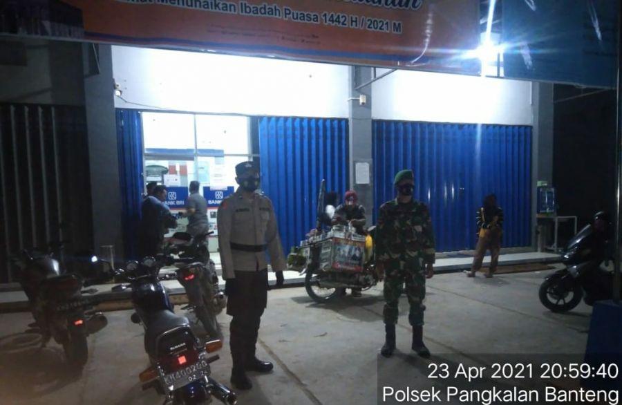 Patroli Gabungan TNI-POLRI Jaga Harkamtibmas di Malam Hari Serta Imbau Masyarakat