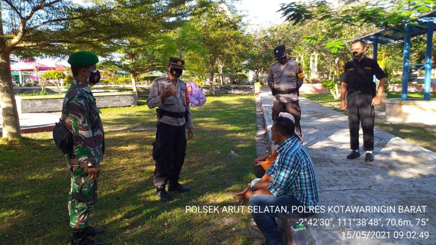 Polsek Arsel Bersama TNI Gencar Laksanakan Ops Yustisi Himbau Terapkan Prokes di Kota Pkl Bun