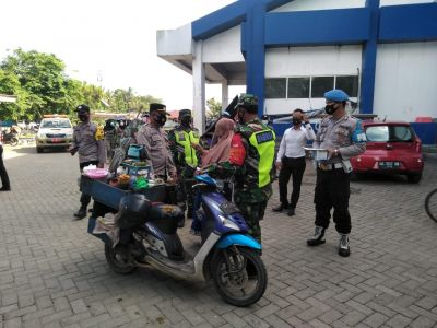 Aparat Gabungan laksakan Operasi Yustisi di Pasar Barabai