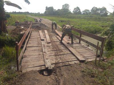 capai-95-persen-lantai-aus-jembatan-dipasang