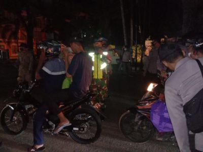 Malam hari, Aparat Gabungan Di HST Kembali Lakukan Operasi Yustisi